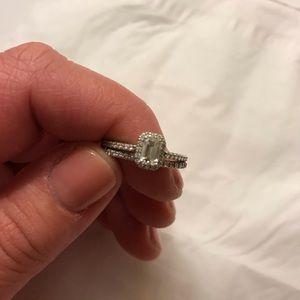 Emerald cut diamond wedding ring set